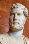 401px-Emperor_Hadrian_Louvre_Ma3131_n2.jpg